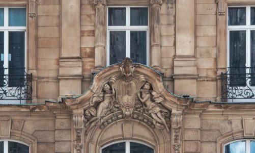 Co ma znaczenie przy wybieraniu osłon do balkonu?
