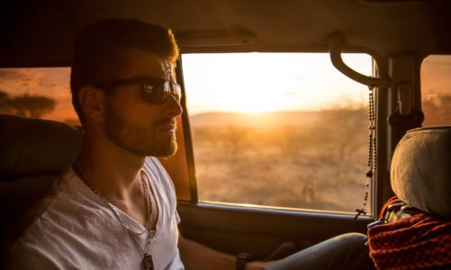 Czym usuwać trudne zabrudzenia w samochodzie?