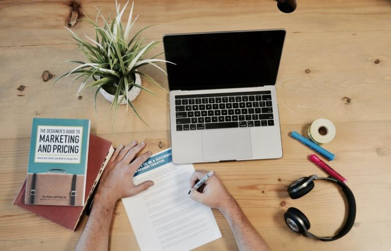 Szukasz porady na temat blogów technologicznych? Sprawdź te świetne pomysły!